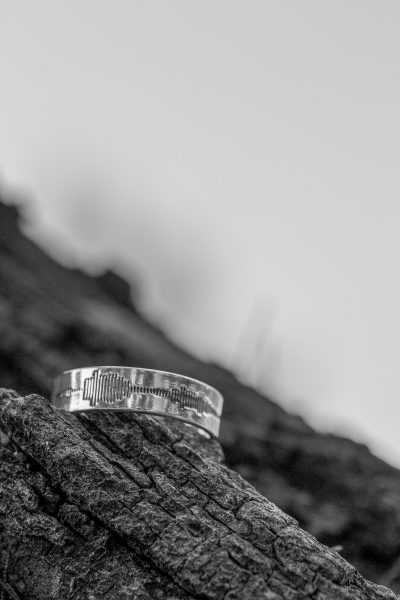 sound wave engraved ring