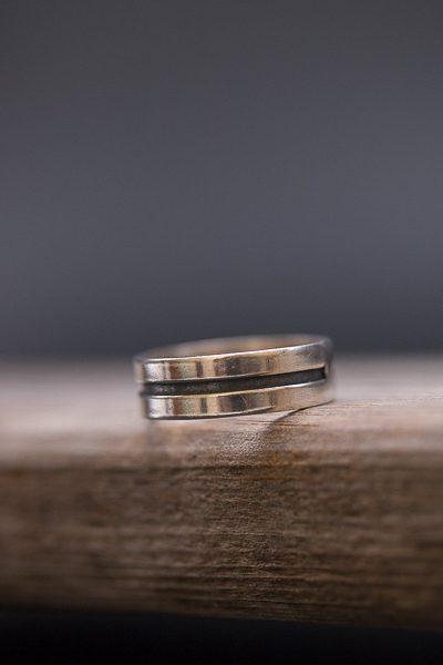 טבעת חריטה על עץ