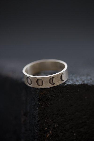 טבעת ירח לגבר