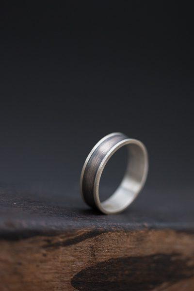 טבעת מושחרת לגבר