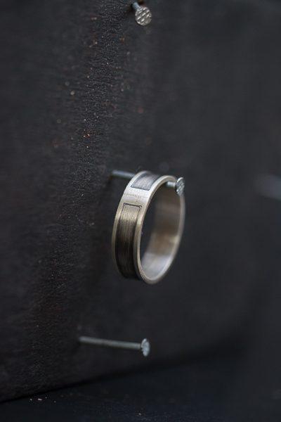 טבעת כסף מושחרת לגבר