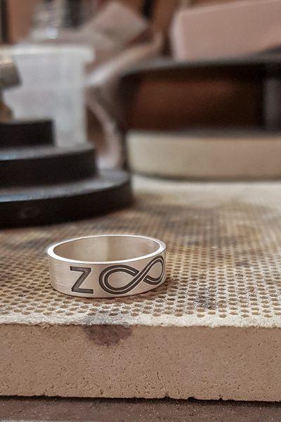 טבעת עם הקדשה