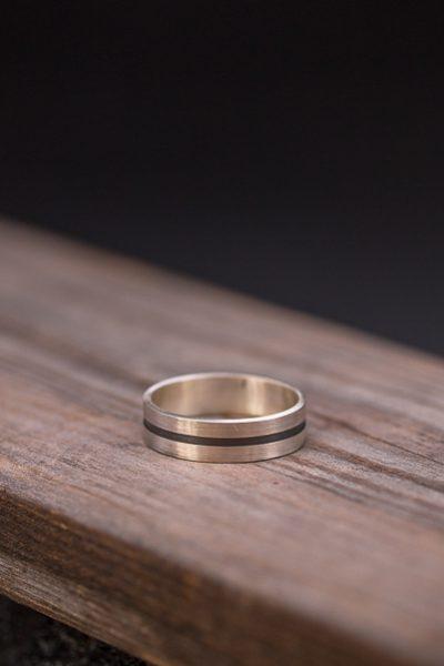 טבעת פס לגבר