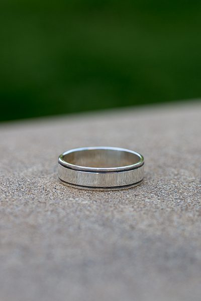 thin lines ring