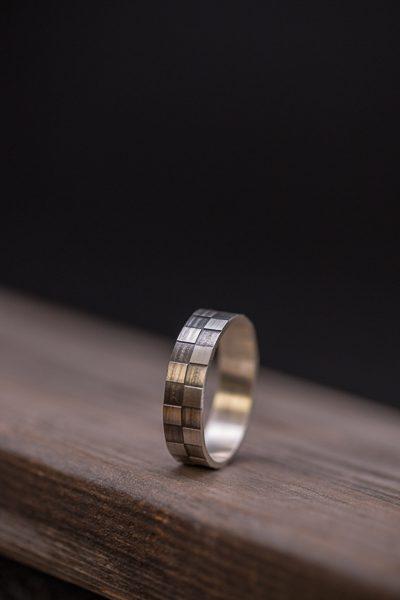 טבעת ריבועים מיוחדת