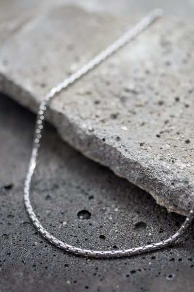 basic necklace for men
